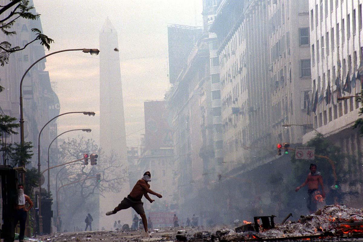 Represión-2001-Télam